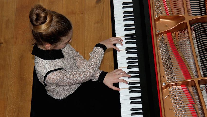 Cours de piano virtuels et partitions gratuites